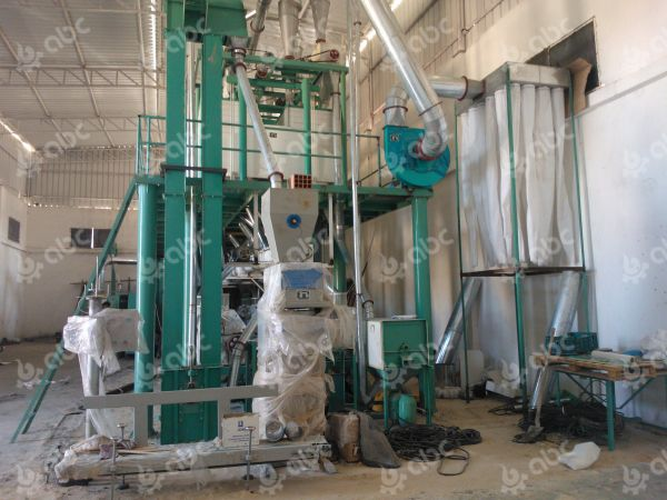 flour packing machine and bag type dust collector